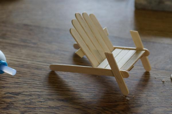 making a fairy garden beach chair
