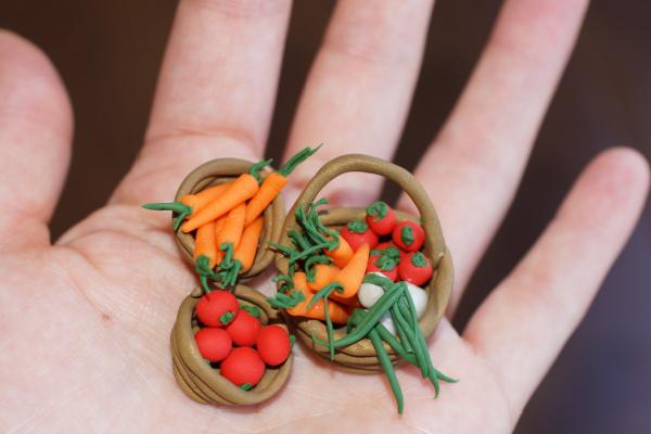 Fall Fairy Garden Decor Ideas - Veggie Basket Tutorial