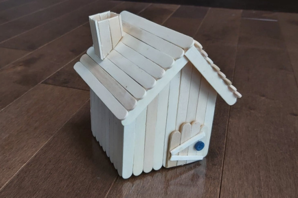 finished simple popsicle stick fairy house