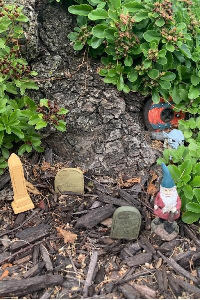 fairy tombstones for fall fairy garden idea