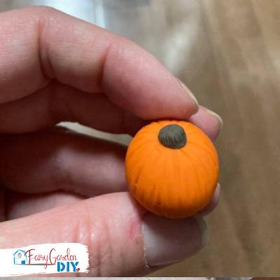 mini diy polymer clay pumpkin